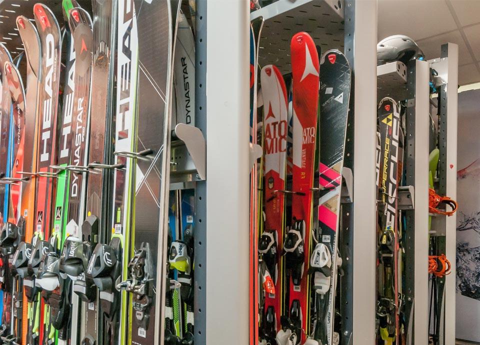 Equipment (rental, sale, locker...)