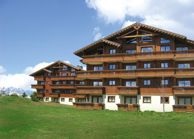Residences & Holiday clubs