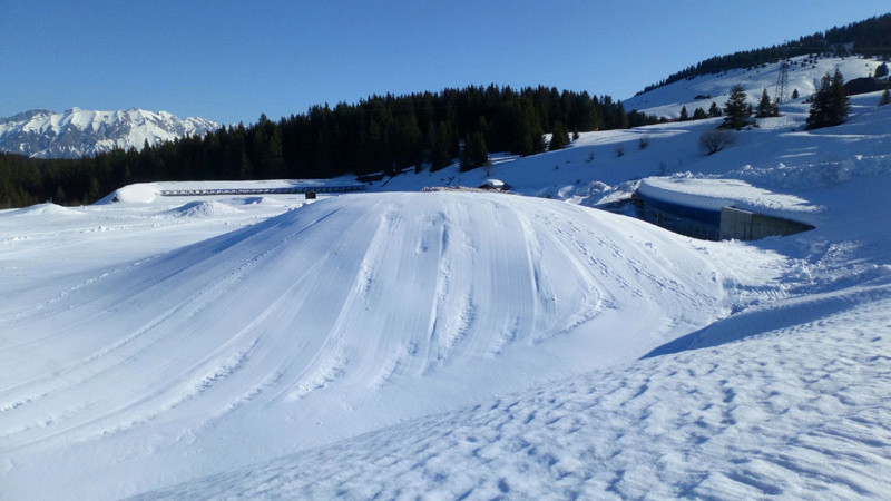 Accumulation de neige en vue du stockage (snowfarming)