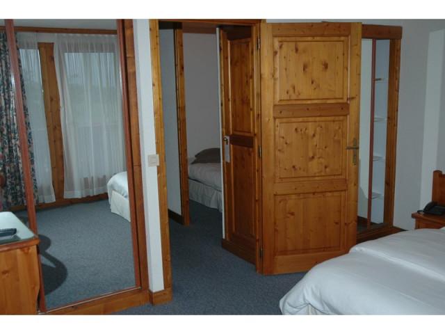 Chambres Classiques-Triple  en  Demi Pension
