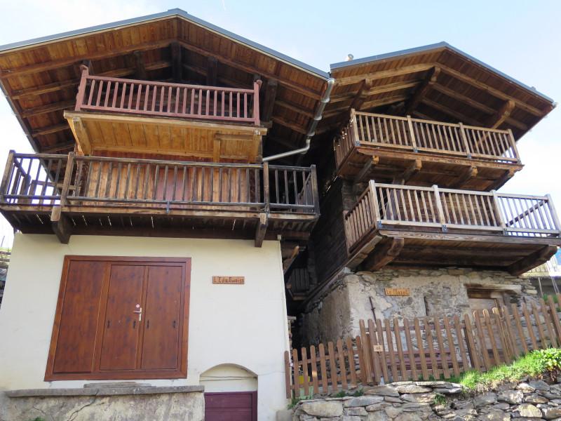 Greniers traditionnels, village d'Hauteluce